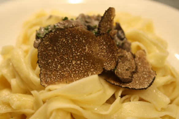 Tagliatelle with mushrooms and black truffle